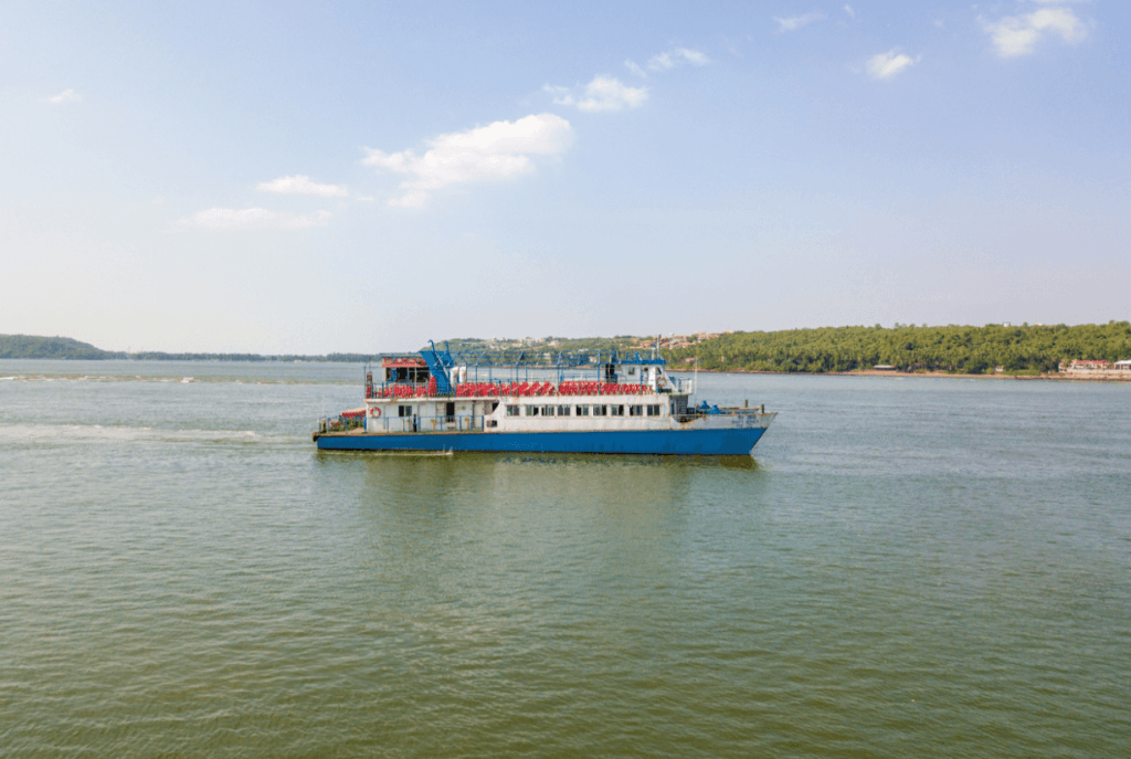 boat-cruise-in-goa